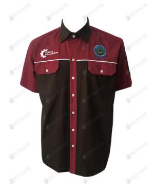 เสื้อช็อป 32 แขนสั้น ตัดต่อ สีน้ำตาล-แดง มีกระเป๋า 2 ข้าง ปักอกซ้ายขวา มีเส้นคาด